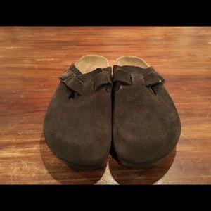 Birkenstock's brown suede clog slides 36/5